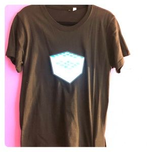 Tops - Sound activated T shirt! 🎼🎼🎼